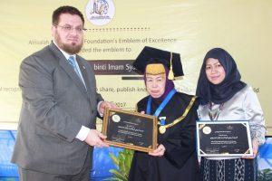 Siti Aminah Abdullah, Dewan Pembina Ittishal Terima Penghargaan dari AlRisalah Swedia